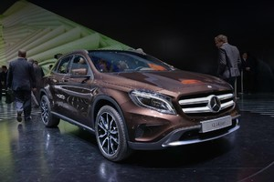Серийный Mercedes-Benz GLA показали миру